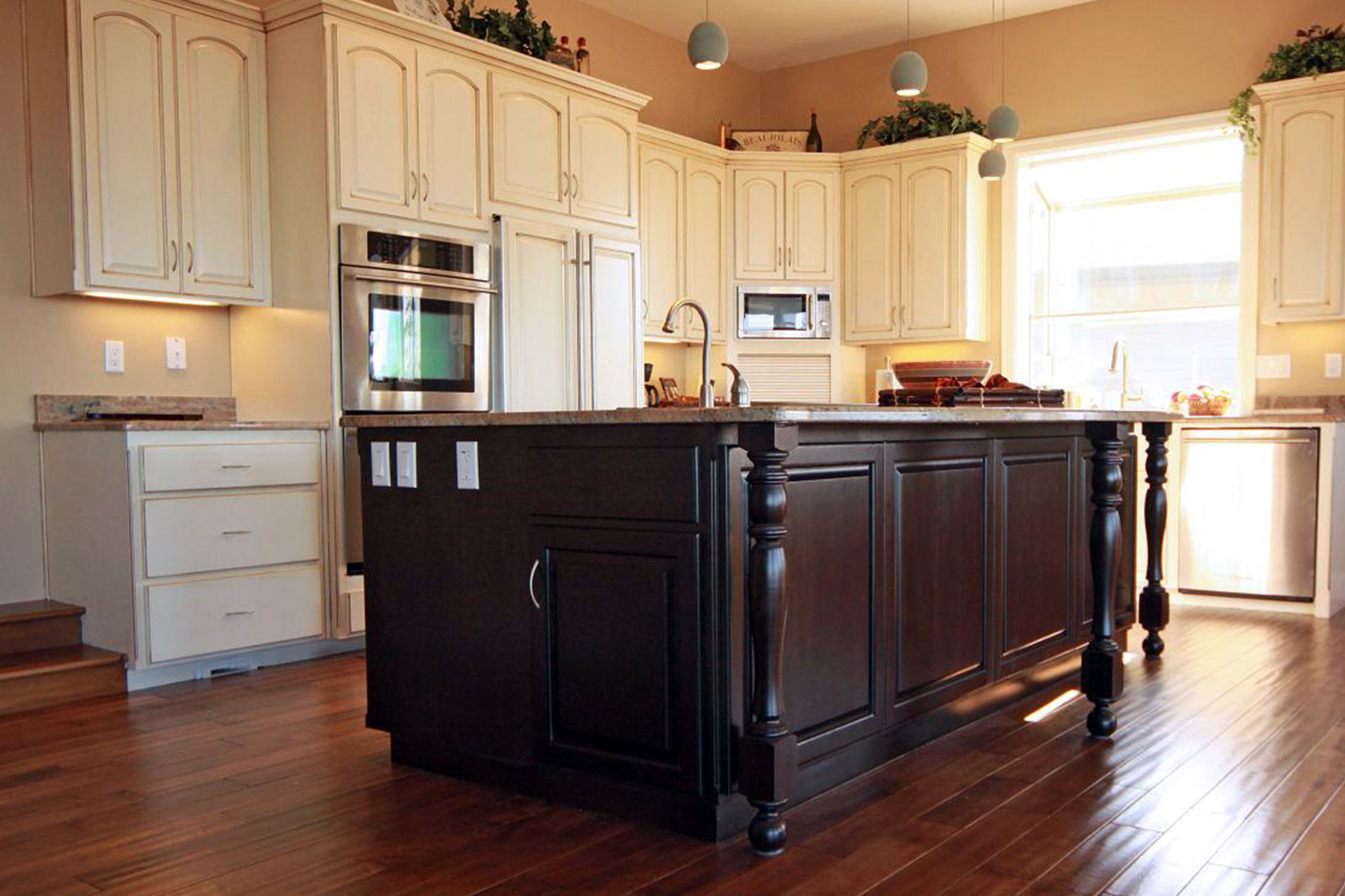 Kitchen Islands Cabinet Cures